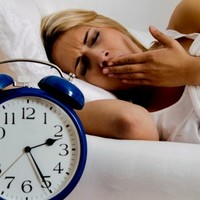 Zimowe zaburzenia snu – jak sobie z nimi radzić