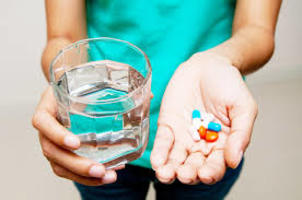 Czy warto stosować witaminowe suplementy diety?