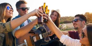 Co to jest zatrucie alkoholowe oraz jak pomóc osobie zatrutej?