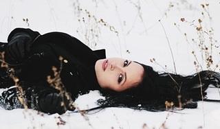 Jak dbać o włosy zimą
